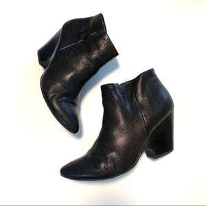 Kenneth Cole Reaction Black Leather Ankle Boots